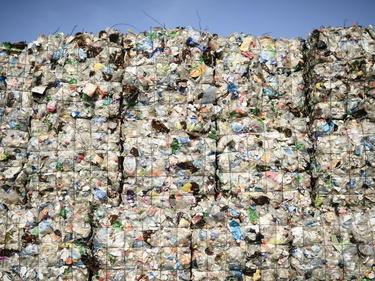 UE: plastica vietata in tutta Europa. Il divieto scatta dal 2021 foto 1