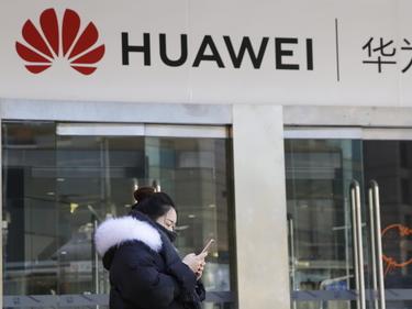 Polonia, arrestati per spionaggioun dipendente cinese di Huawei e unhacker polacco foto 1