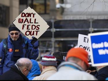 Usa, è lo shutdown più lungo della storia: 800 mila persone senza stipendio foto 2