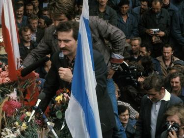 Ucciso il sindaco polacco che accoglieva i migranti: chi era Paweł Adamowicz foto 1