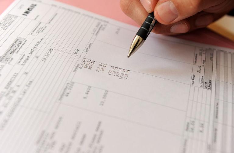 Il piano del governo sul taglio delle tasse in busta paga, la simulazione: fino a 1.000 euro in più in un anno