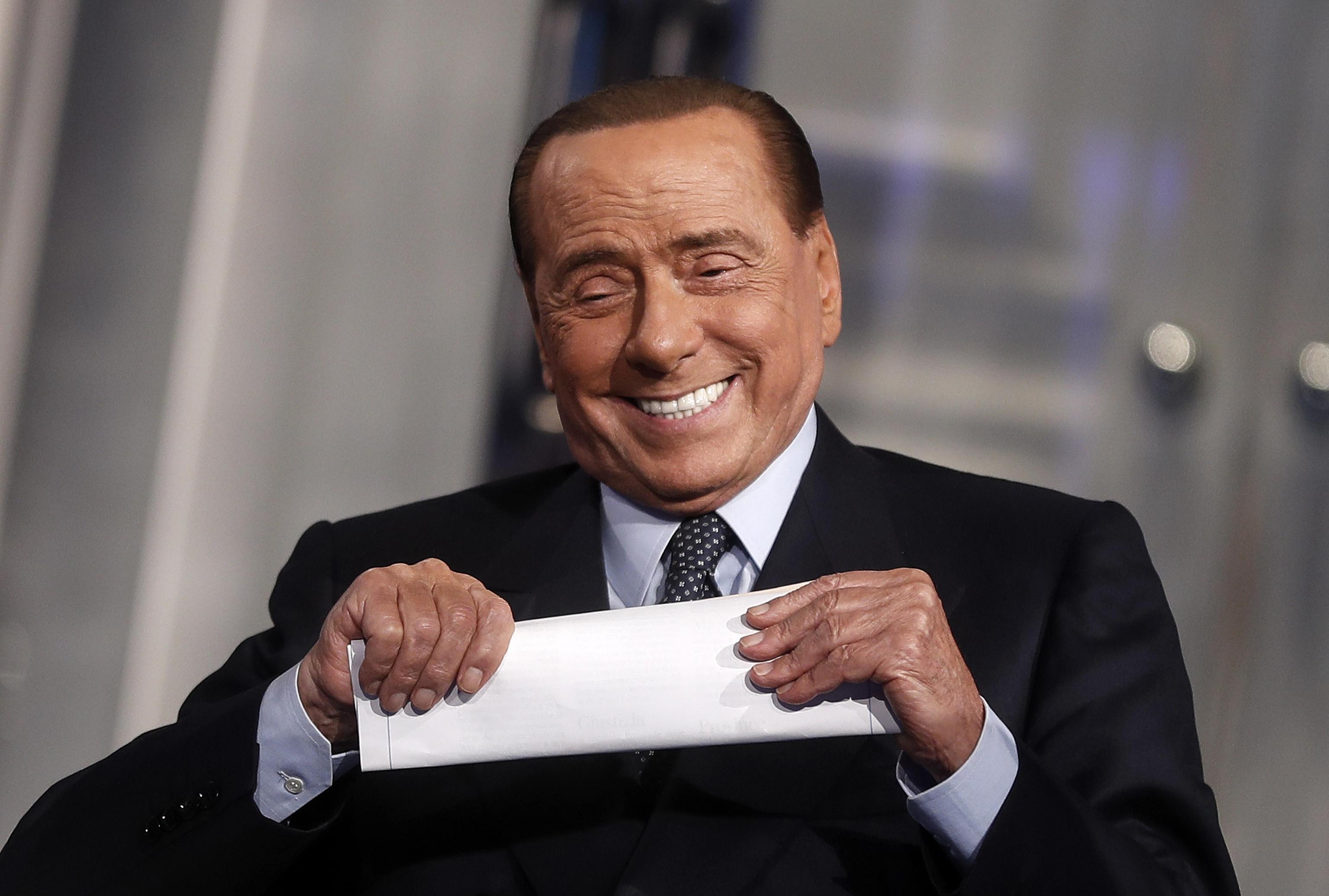 Berlusconi e il sogno di diventare presidente della Repubblica: quanti voti gli mancano per il Quirinale?