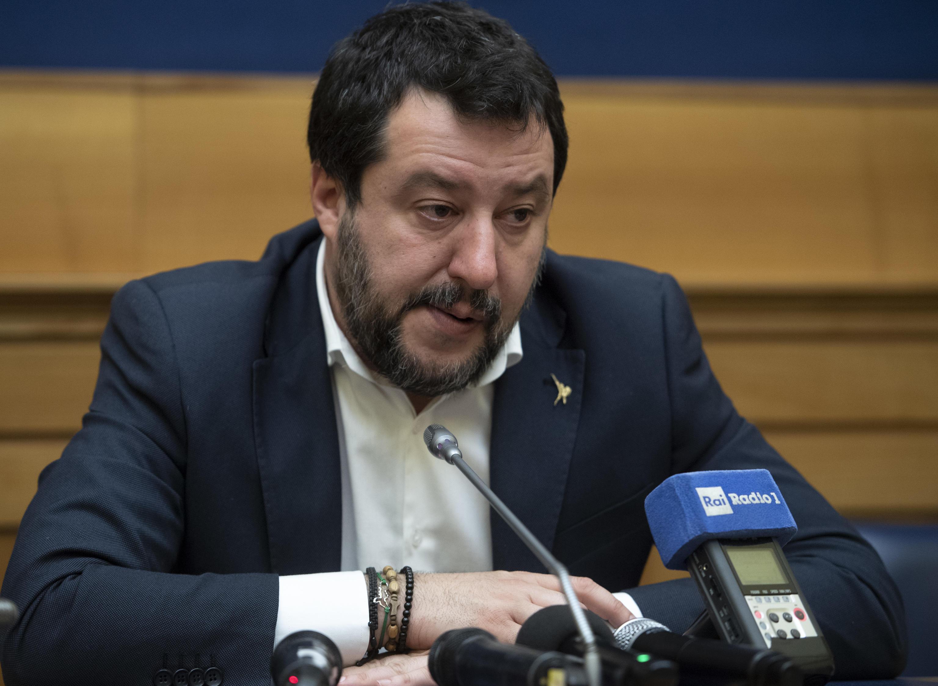"""La talpa nella riunione leghista, il Foglio sgonfia il """"complotto"""": ecco chi ha intercettato gli audio di Salvini"""