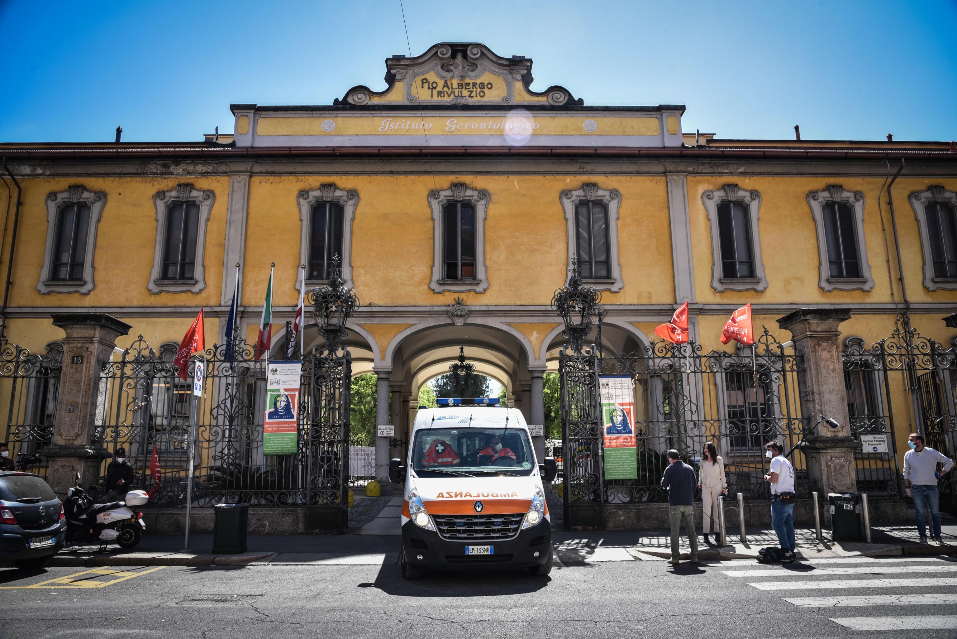 Inchiesta Pio Albergo Trivulzio, i pm chiedono l'archiviazione sulle morti degli ospiti: «Nessuna prova di carenze di assistenza»