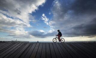 St Kilda Beach a Melbourne, Victoria, Australia, 12 luglio 2020. EPA/DANIEL POCKETT