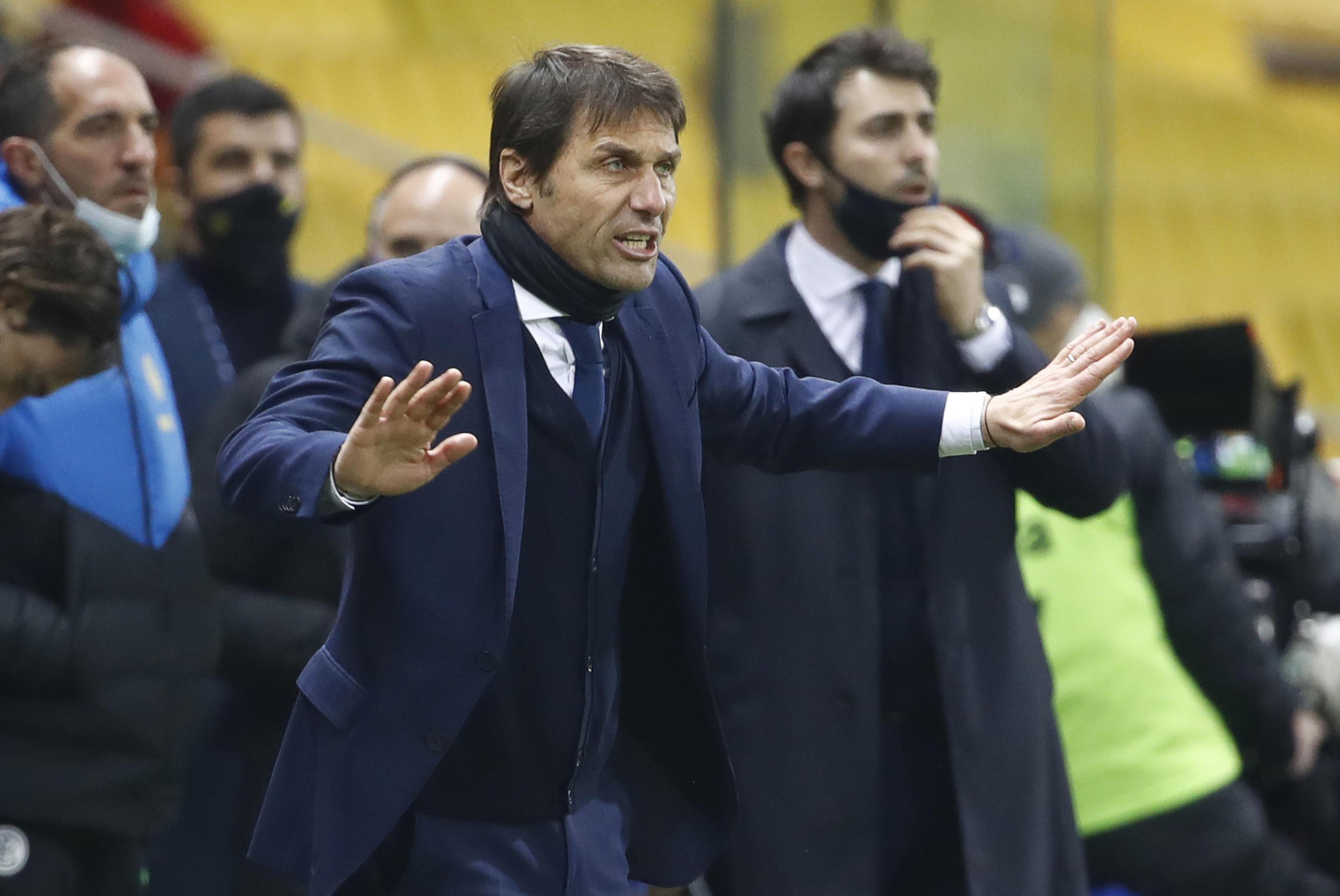 Antonio Conte in soccorso del Manchester United (e di Ronaldo): l'ex allenatore dell'Inter è pronto a dire sì