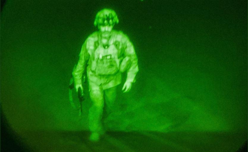 ultimo soldato usa lascia afghanistan