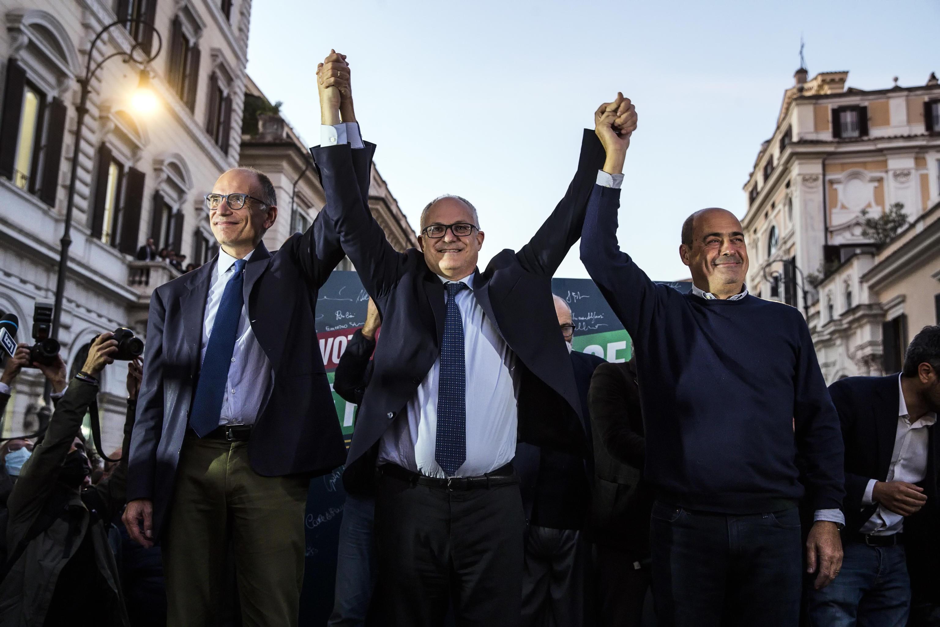 La prima promessa del neosindaco Gualtieri: «Roma pulita entro Natale»
