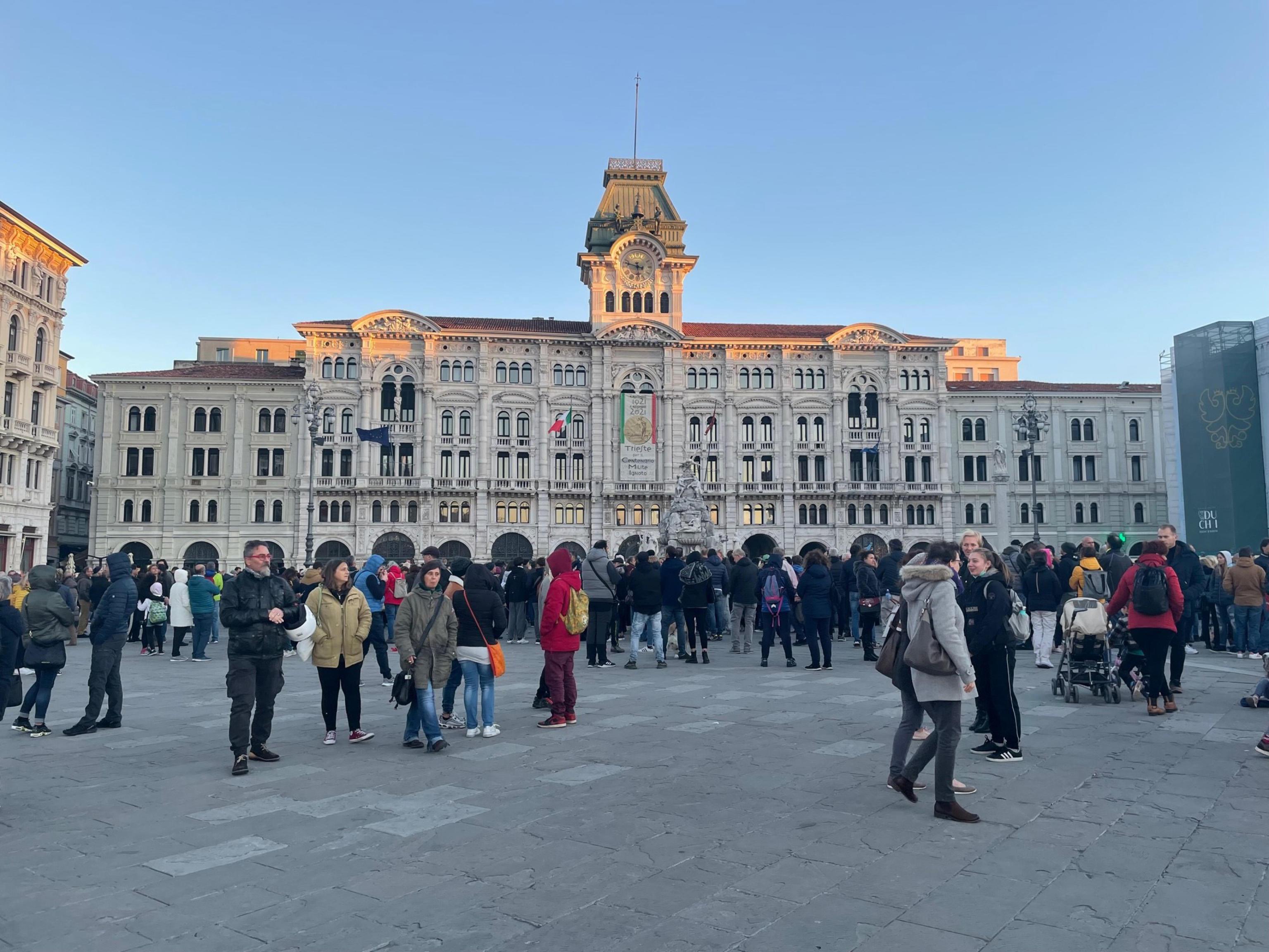 No Green pass, nuovo presidio a Trieste. Puzzer: «Ci faremo sentire anche mercoledì» – Il video