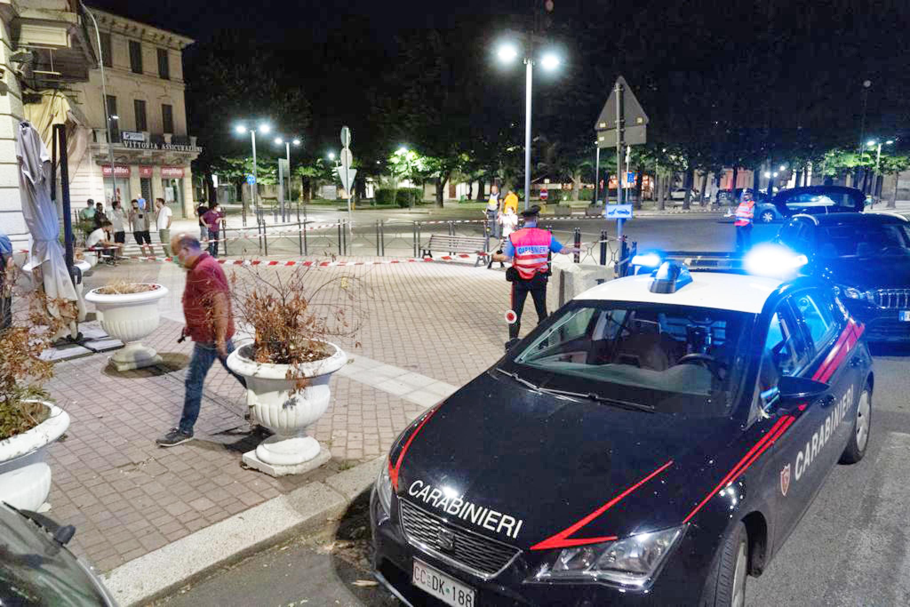 L'ex assessore Adriatici torna libero, a rischio vendette: scatta la sorveglianza dopo le prime minacce in arabo sui social