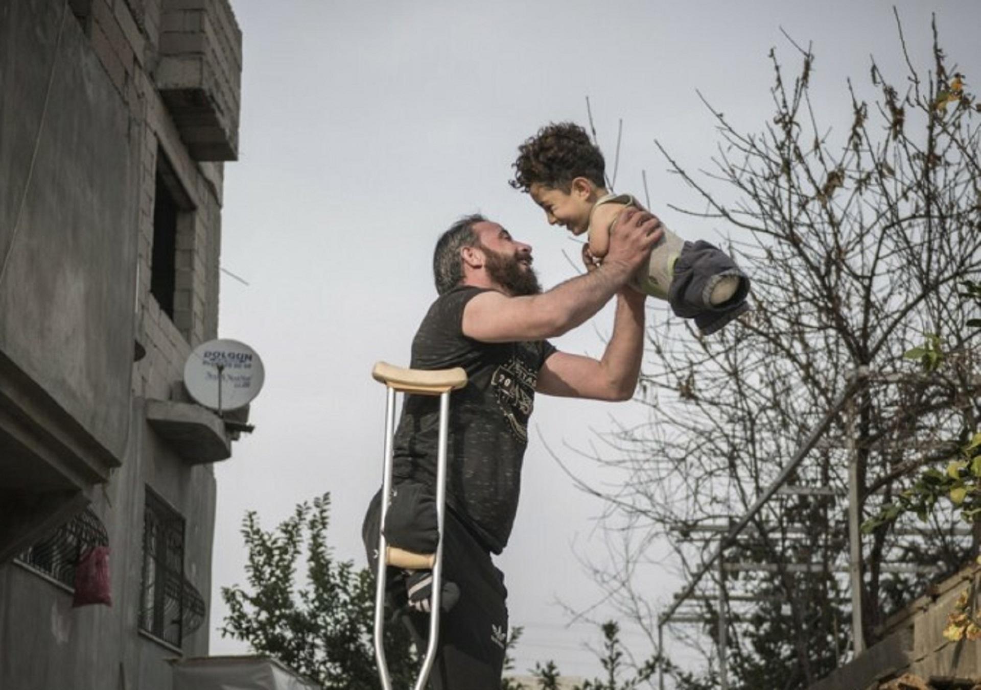 La storia dietro la foto simbolo del dramma siriano. L'Unicef: «Che risvegli le coscienze dei leader mondiali»