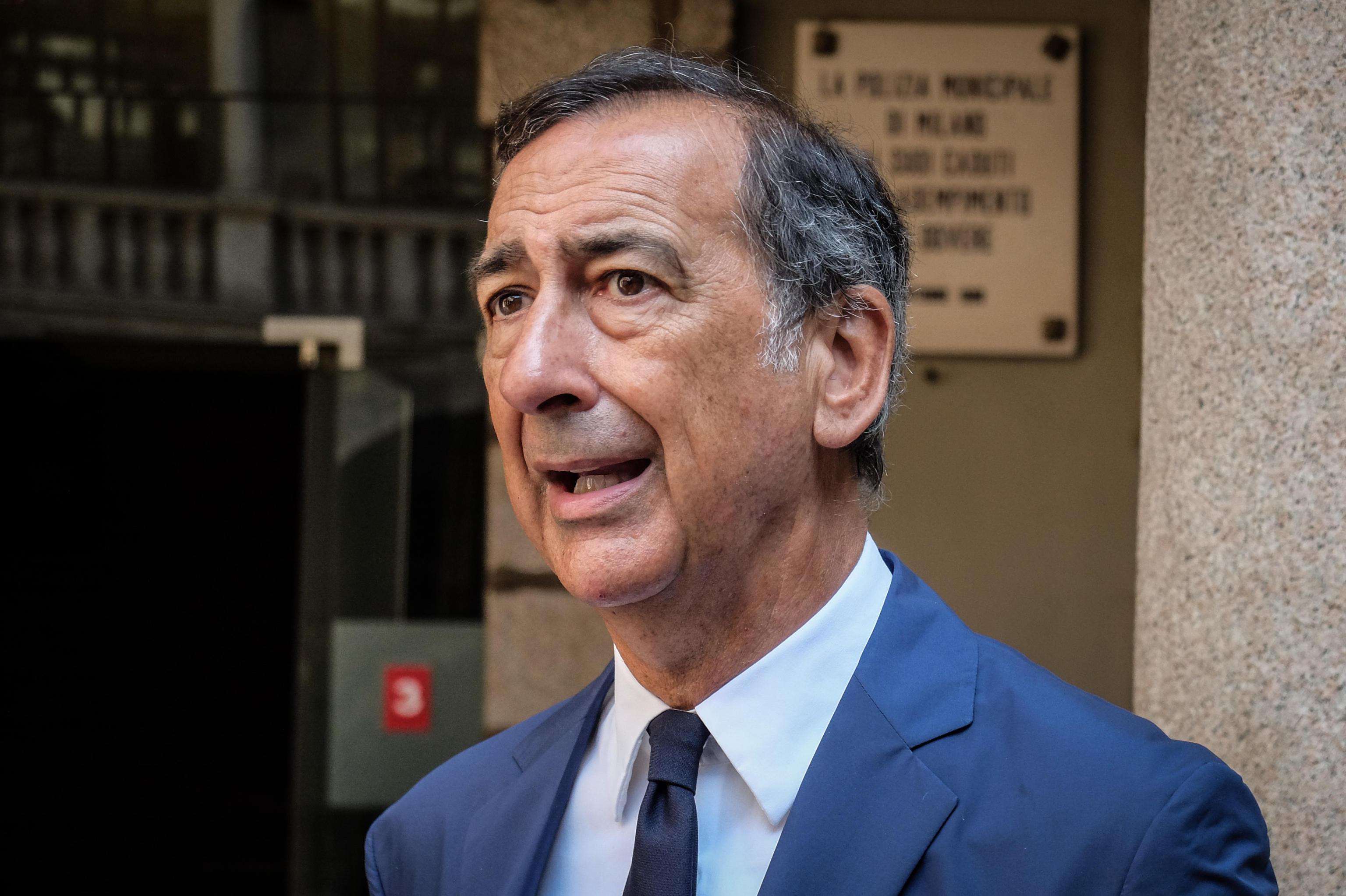 No Green pass, minacce di morte al sindaco di Milano Sala: «Mi vogliono decapitare» – Le chat