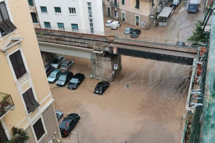 Scuole chiuse domani in Calabria e Sicilia per allerta meteo rossa